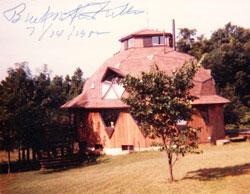 Buckminster-Fuller-autograph